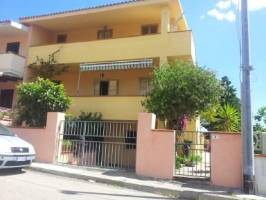 Case Vacanze e Appartamenti a La Caletta in affitto ...